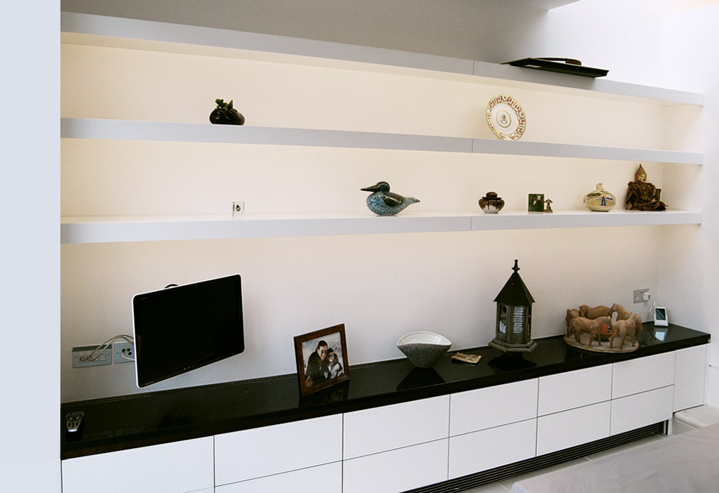Free-Floating Shelves