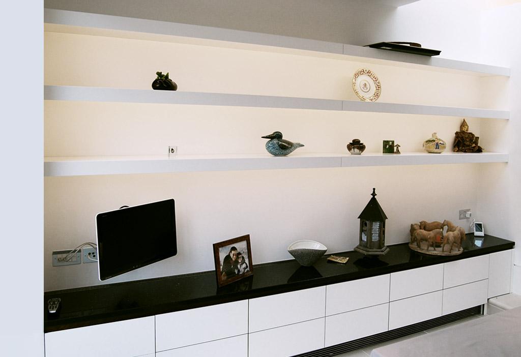 Free-Floating Shelves